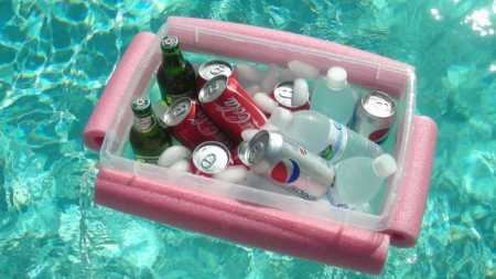 pool-drinks-bar