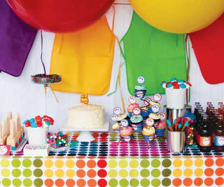 rainbowe-art-party-dessert-table