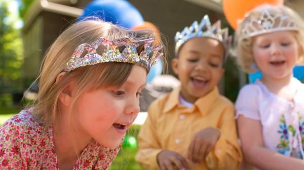 100-kids-birthday-party-ideas-dtl